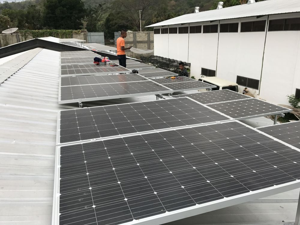 Small 300 watt photovoltaic solar pv panel in Anguilla